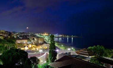 La costa de noche
